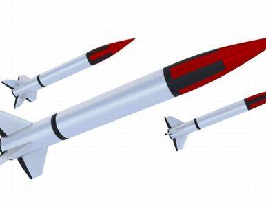 Seria rakiet spadła na Izrael, dwie osoby ranne