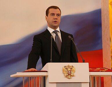 Miedwiediew żąda poprawek do ustaw dotyczących policji