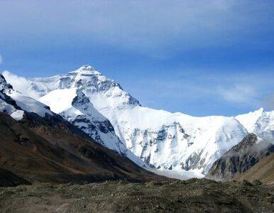 Mount Everest przesunął się po trzęsieniu ziemi w Nepalu