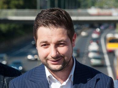 """Patryk Jaki zaprezentował hasło wyborcze. """"Ruszamy do boju o uczciwą..."""