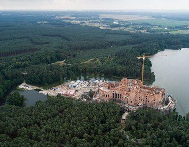 Uchylono pozwolenie na budowę zamku w Puszczy Noteckiej. Budowla jest...
