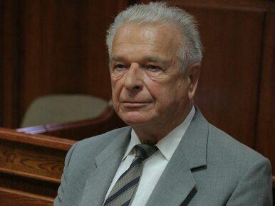 Odnaleziono nieznane archiwum Czesława Kiszczaka. Wśród dokumentów m.in....
