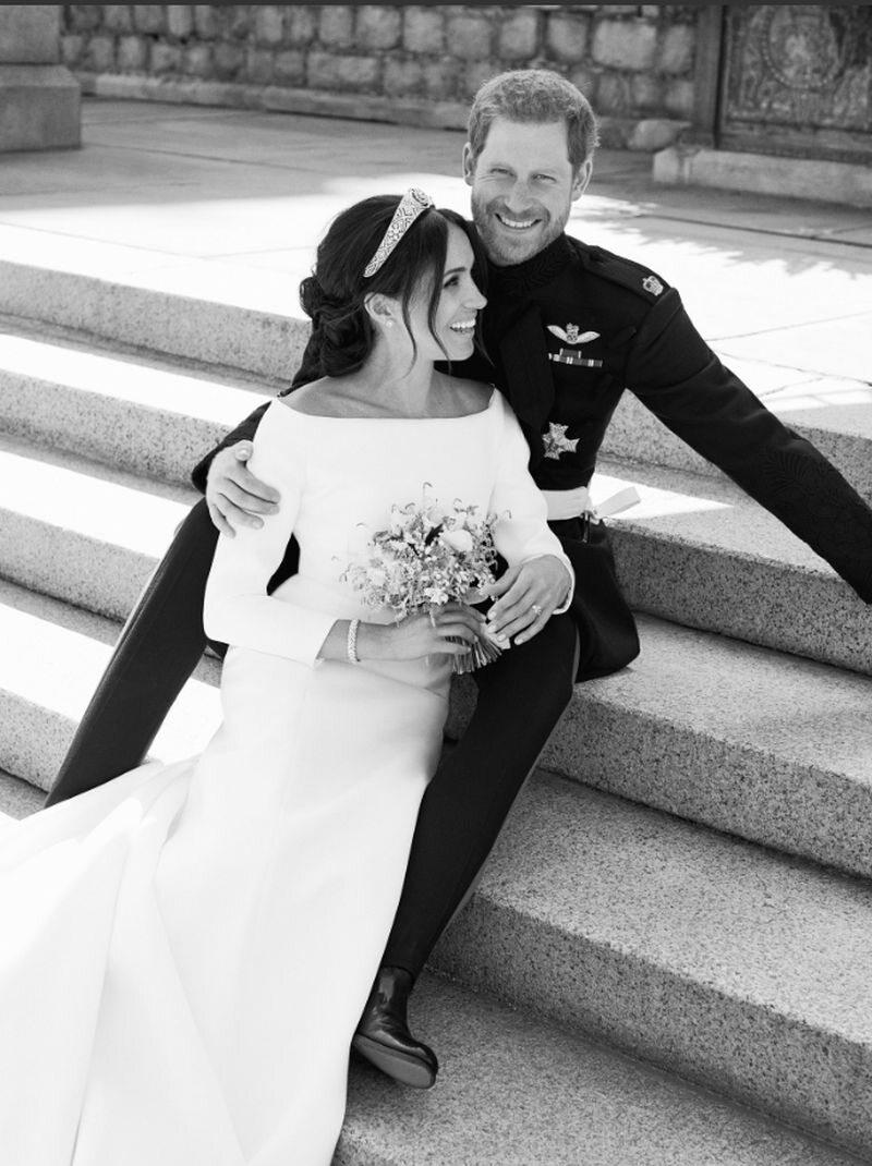 Zdjęcie ślubne księcia i księżnej Sussex