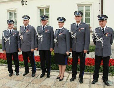 Prezydent wręczył awanse oficerom policji. Pierwsza kobieta nadinspektor