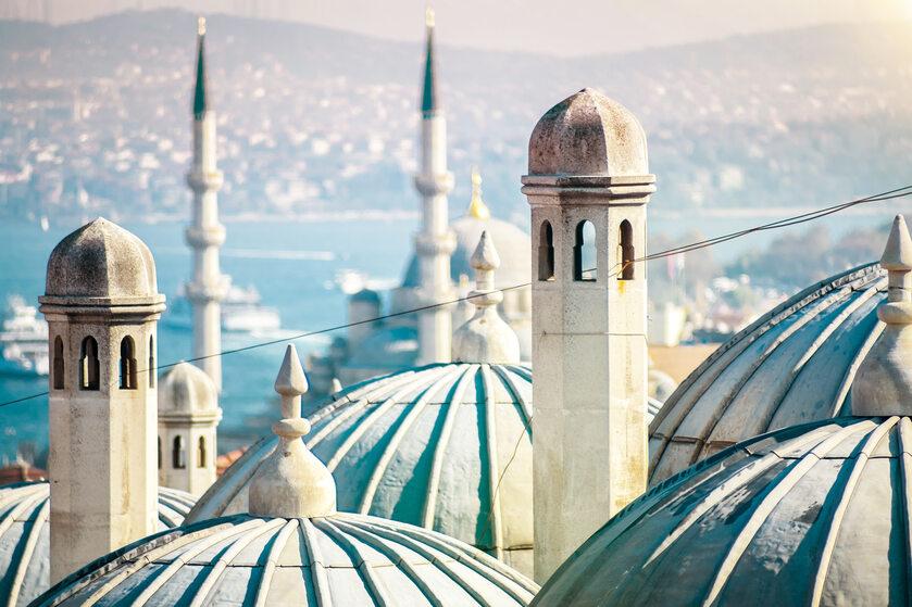 Widok na turecki meczet, zdjęcie ilustracyjne