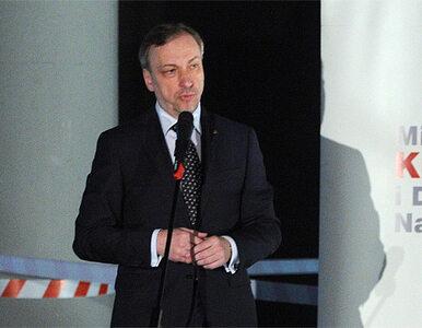 Pomnik ofiar Smoleńska może przegrać z zimą i śledztwem ws. katastrofy
