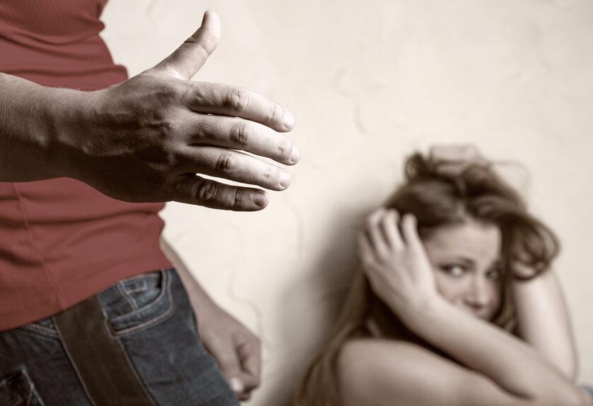Przemoc domowa