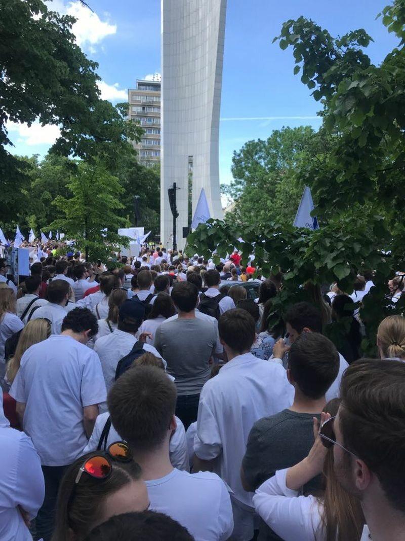 Protest lekarzy i przedstawicieli zawodów medycznych z 1 czerwca 2019 r.