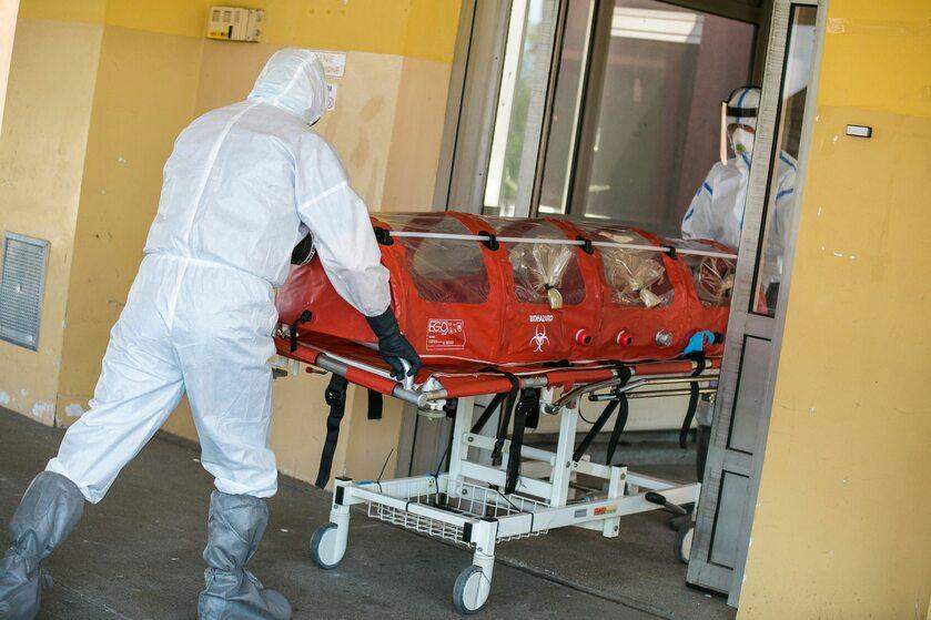 Szpital zakaźny w Raciborzu, transport chorego na koronawirus