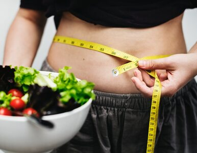 """Eksperci: """"Oprócz masy ciała należy sprawdzać także obwód brzucha..."""