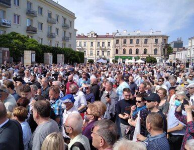 Kielecki dziennikarz zakażony koronawirusem. Relacjonował wiec...