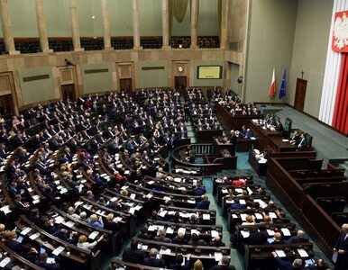 Sondaż: PiS uzyskuje samodzielną większość, cztery partie w Sejmie