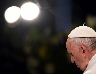 Papież przewodniczył Drodze Krzyżowej w Koloseum. Mowa była m.in. o...