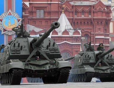 Tysiące żołnierzy i ciężki sprzęt na Placu Czerwonym - Rosja pręży...
