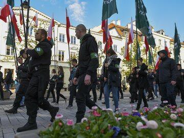 Prezydent Warszawy walczy o delegalizację ONR. Pokazuje pismo do ministra