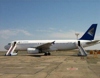 Zaskakująca sytuacja w Kustanaju. Samolot ugrzązł na płycie lotniska
