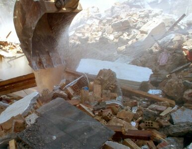 Pękła ściana budynku. Ewakuowano 101 osób
