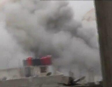 Syryjczyk nagrał spadające na miasto bomby beczkowe
