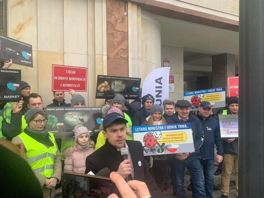 Protest Agrounii przed UOKiK