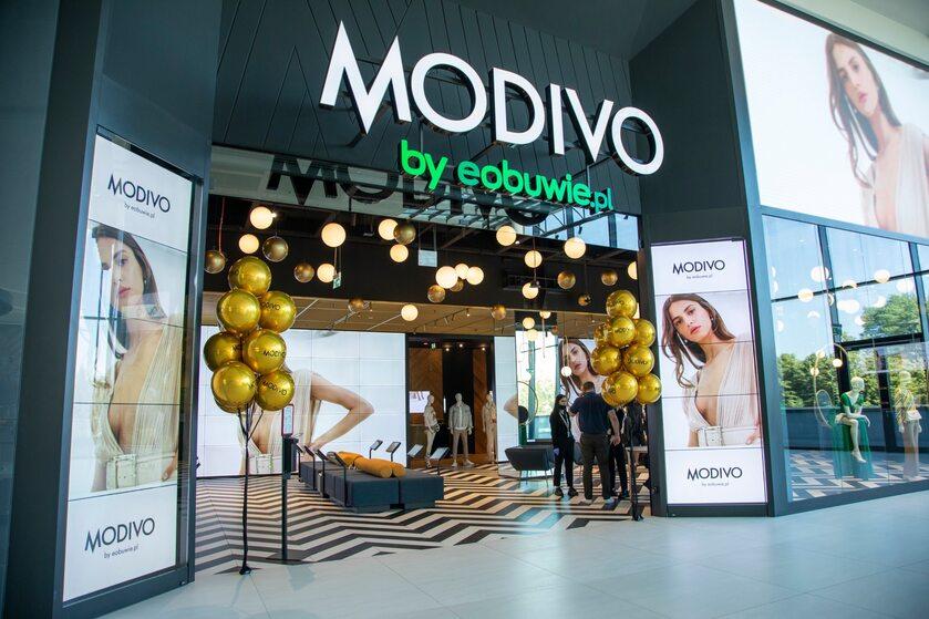 Pierwszy sklep stacjonarny MODIVO