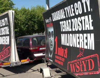 """Kolejny """"konwój wstydu"""" rusza w Polskę. """"Legitymacje PiS zastępują..."""