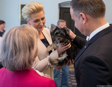 Para prezydencka pożegnała kucharkę. Na odchodne wręczono jej szczeniaka