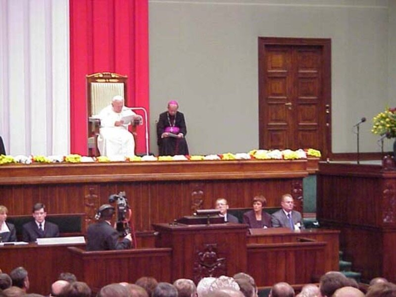 Papież Jan Paweł II w polskim parlamencie 11 czerwca 1999 roku