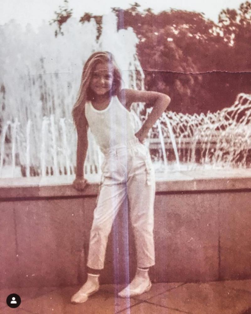 Ta urocza dziewczynka na zdjęciu to aktorka znana z polskich seriali:
