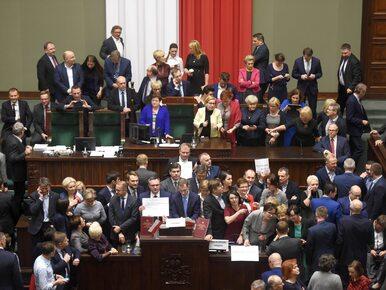 """Dokument """"Pucz"""" o wydarzeniach z Sejmu w TVP. Nikt z telewizji nie..."""
