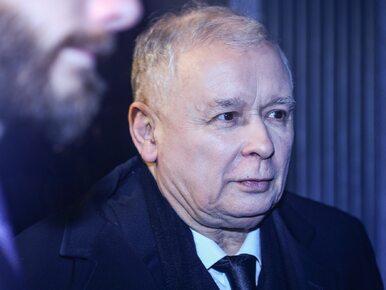 Jarosław Kaczyński zaczyna miesięcznicę od informacji ws. wypadku...