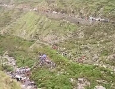 Indie. Autobus runął w przepaść. Zginęło 48 osób