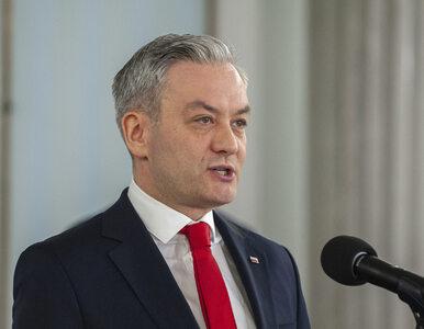 Biedroń przedstawił plan antykryzysowy: Maseczki dla każdego, 100 tys....