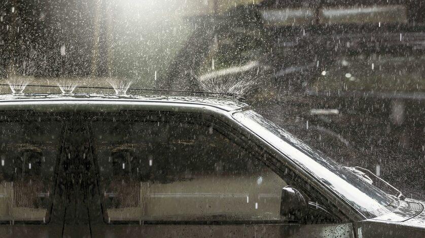 Deszcz, grad (zdj. ilustracyjne)