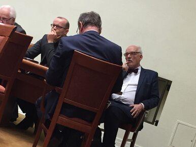 Sejmowe krzesełka jak fotele w PE. Korwin-Mikkemu jest obojętne, gdzie...