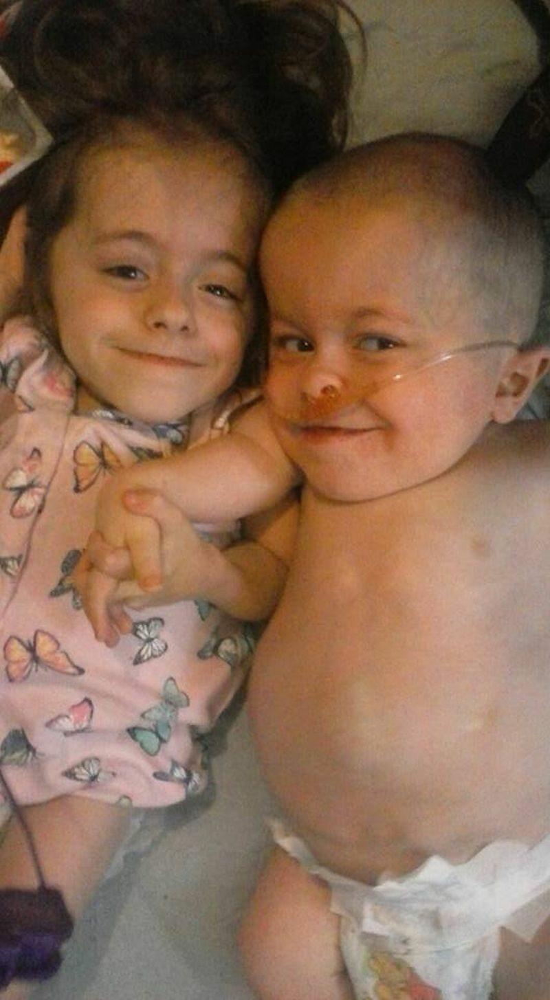 Dwójka chorych dzieci Stacey Herald